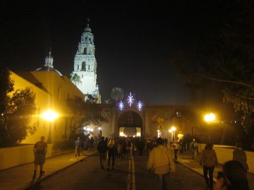 Crowds entering Balboa Park for the December Nights Celebration
