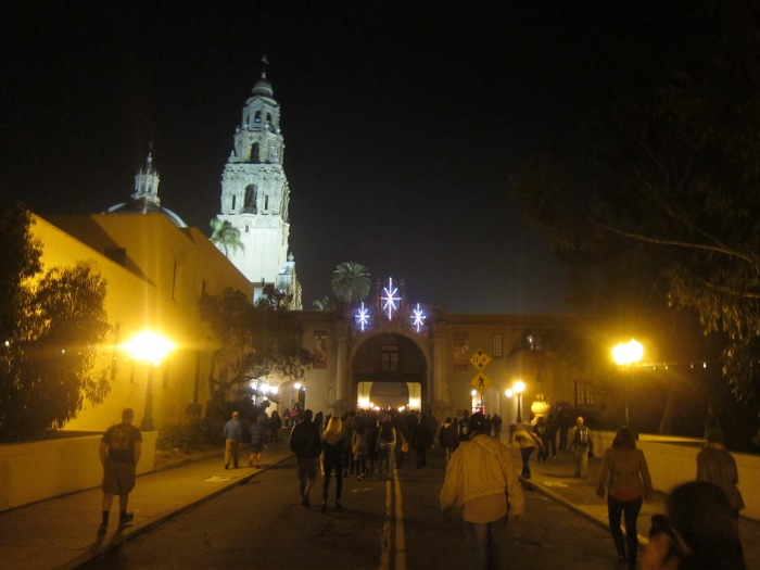 Crowds entering Balboa Park for the December Nights Celebration